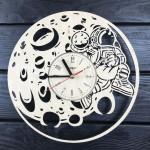 Настінний годинник з дерева Чарівний місяць