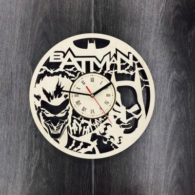 Безшумний настінний годинник Batman