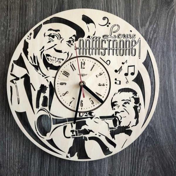 Годинник ручної роботи настінний дерев'яний Луї Армстронг