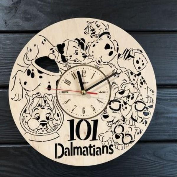 Настінний годинник з дерева в дитячу 101 далматинець