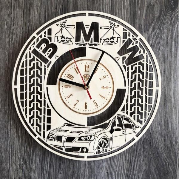Стильний годинник з дерева настінний BMW