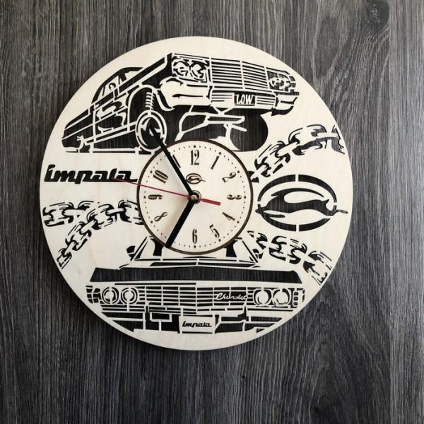 Стильний годинник з дерева настінний Chevrolet Impala