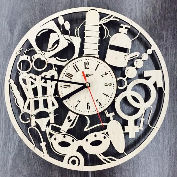"""Настінний годинник з дерева """"Для двох"""" 18+"""