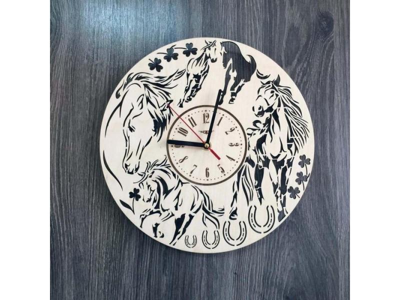"""Універсальний годинник настінний з натурального дерева """"Коні"""""""