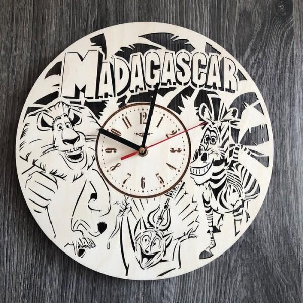 Безшумні настінні годинники з дерева в дитячу Мадагаскар