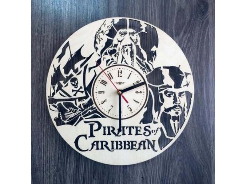 """Годинник круглий настінний з дерева """"Пірати Карибського моря"""""""