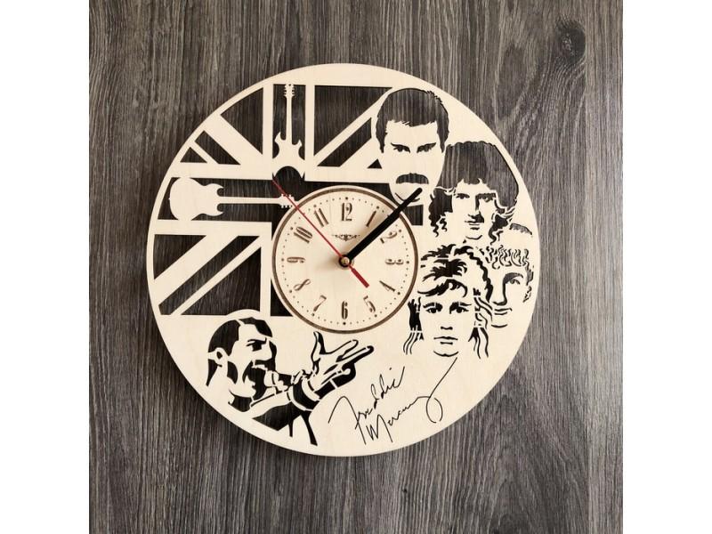 Настінний годинник з дерева в інтер'єр Queen