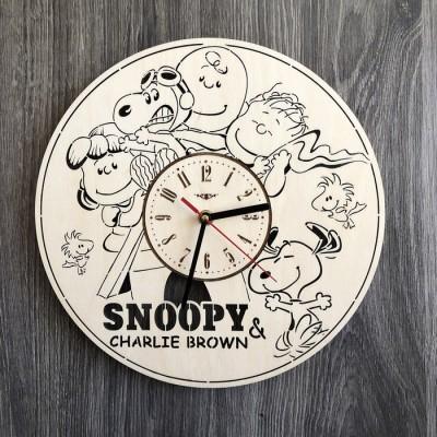 Безшумний настінний годинник в дитячу Снупі