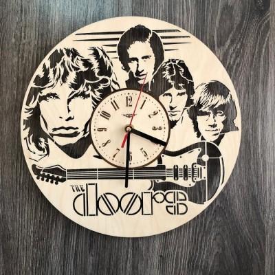 Безшумний настінний годинник з дерева The Doors