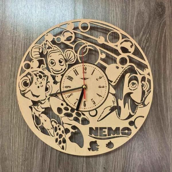 """Настінний годинник з дерева """"В пошуках Немо"""""""