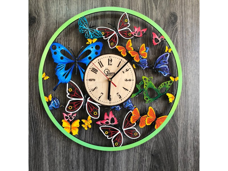 Кольоровий настінний годинник з дерева Вальс метеликів