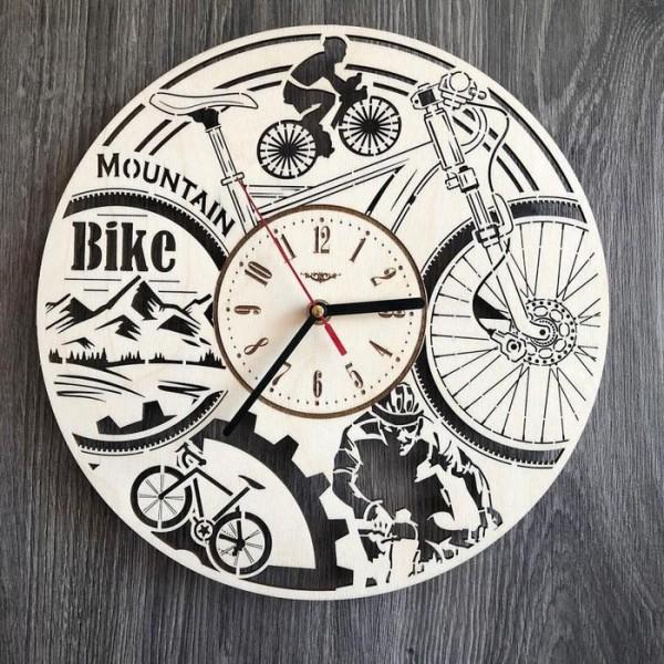Круглий годинник з дерева на стіну Велосипед