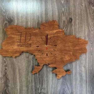 Декоративний настінний годинник з дерева у формі карти України