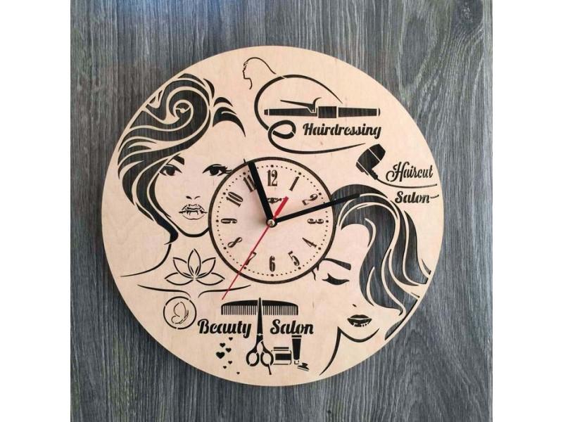 Настінний годинник з дерева жіночий салон краси