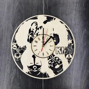 Арт часы настенные из дерева KISS