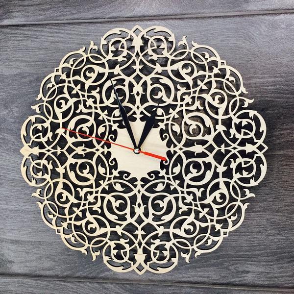 Настінний годинник ручної роботи Вінтажний орнамент