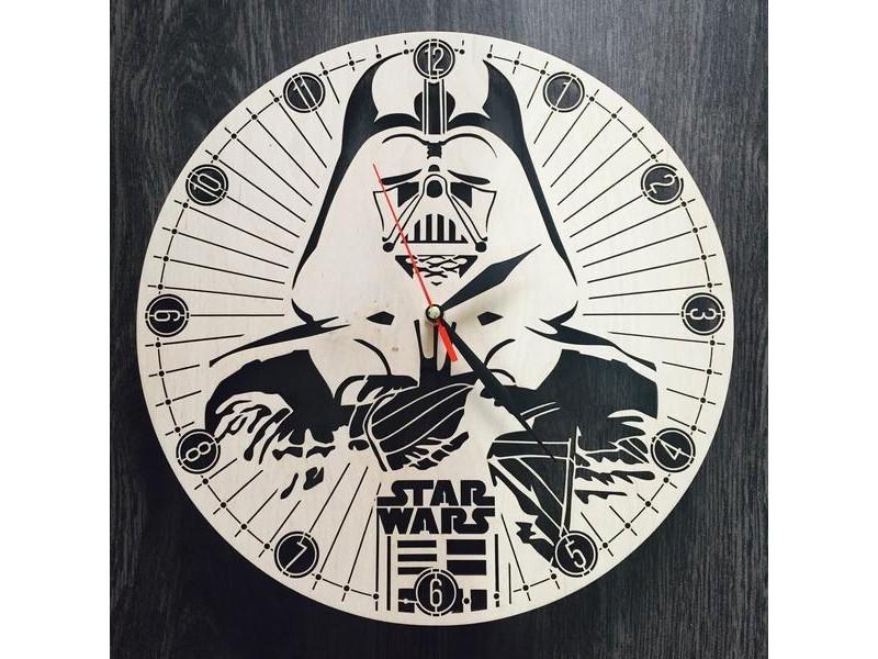 Настінний годинник ручної роботи з дерева Зоряні війни