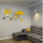 Яскрава дерев'яна багатошарова карта світу з назвами країн