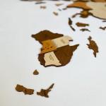 Дерев'яна багатошарова мапа світу з LED підсвічуванням, в коричневих теплих кольорах