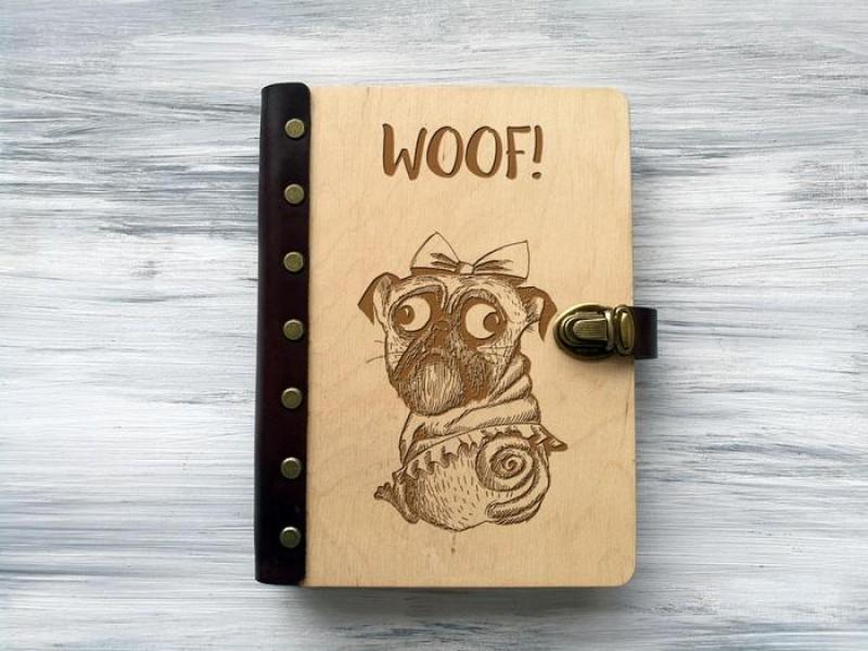 """Блокнот """"WOOF"""" А5 в дерев'яній обкладинці"""